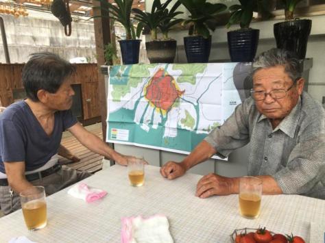 Kenji Takashima (a la izquierda) y Hotta Hajime, dos de los sobrevivientes del bombardeo nuclear contra Hiroshima. Fotos del autor Foto: Del autor