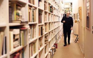 umberto-eco-el-pasillo-de-los-libros