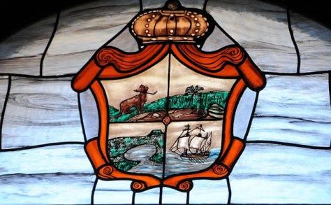 Ciudad primada de Baracoa. Vitral del escudo de Baracoa.