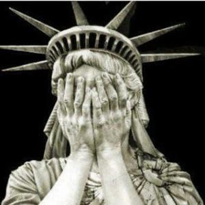 trump-estatua-de-la-libertad-llorando-1