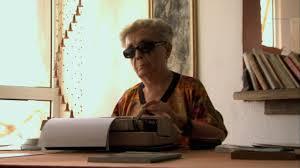 graziella-13-escribiendo