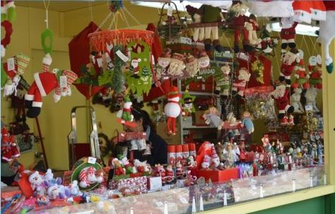 madrid-navidad-luces-plaza-mayor-figuritas-belen-tio-vivo-adornos-navidad-bromas-00009