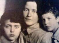 Julia Schucht, la esposa de Gramsci y sus hijos Delio y Giuliano