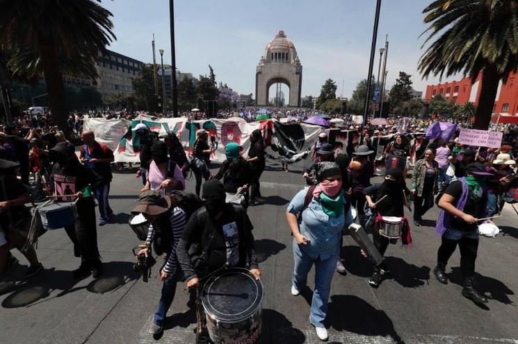 MARCHA MÉXICO 2 . CRISTINA