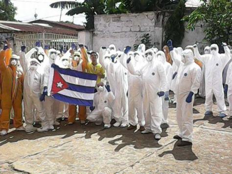 MÉDICOS CUBANOS CONTRA EL ÉBOLA ÁFRICA
